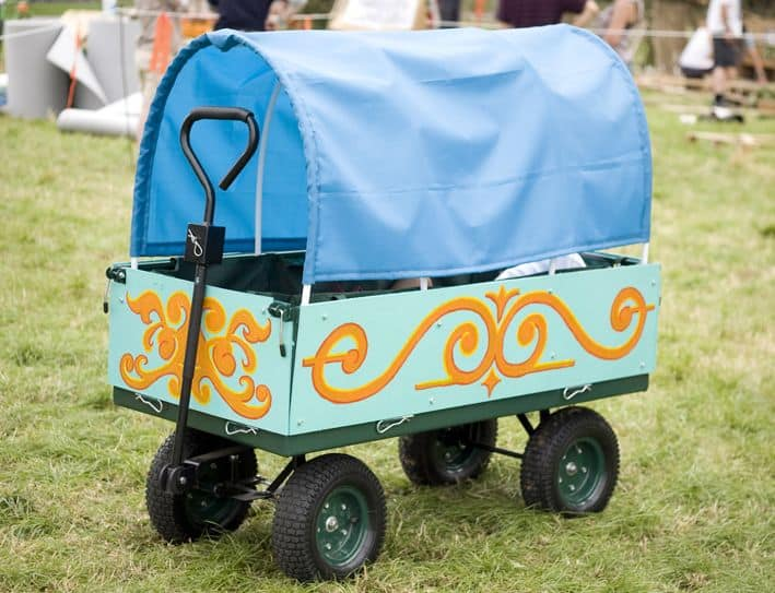 how to decorate a festival trolley