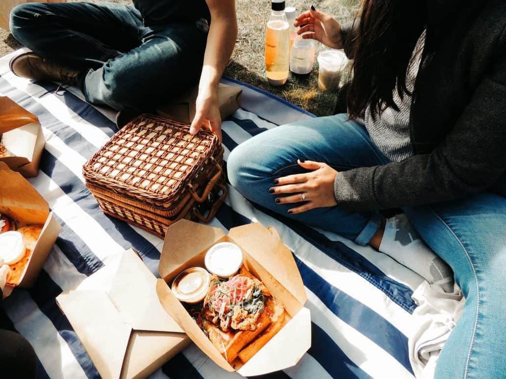 choosing a quality picnic basket